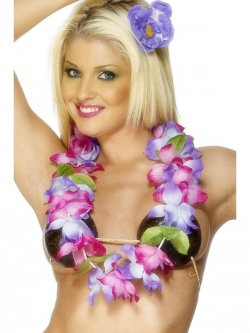 Lei With Large Flowers