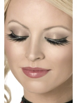 Eyelashes with Small Crystals